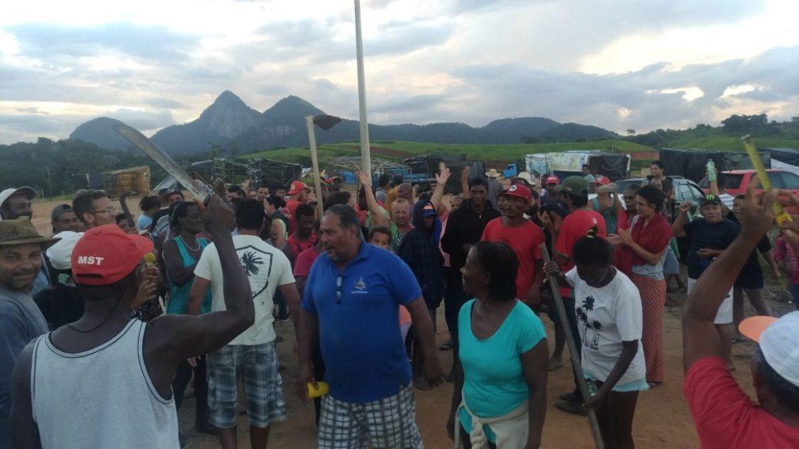 Armario A Medida Barato ~ Famílias do MST em Rio das Ostras afirmam que resistir u00e3o a despejo nesta quarta
